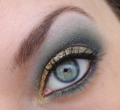 Love green and gold shadows together, looks soo beautiful! And since I have blue/green eyes this makes them pop!