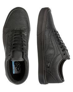 Vans 'Old Skool' sneakers Vans Online, Van Shoes, Cool Vans, Buy Vans, Vintage Vans, Vans Old Skool, Men Fashion, All Black Sneakers, Adidas