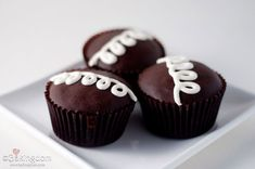 In honor of my favorite Hostess treat, soon to be no more... ;)   Copycat recipe - Hostess-Cupcakes