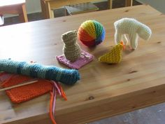ON THE BANKS OF HOUND CREEK: First Grade Knitting Plans