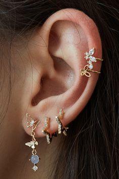 Ear Jewelry, Cute Jewelry, Body Jewelry, Jewelery, Jewelry Accessories, Stylish Jewelry, Fashion Jewelry, Pretty Ear Piercings, Accesorios Casual