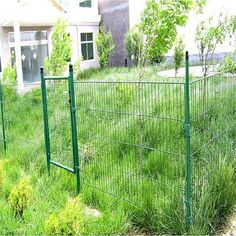 Garden With Chicken Wire Fence And Gate Chicken Wire