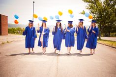 Friends Graduation Picture I wish we could have all done this together!