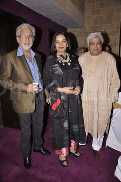 Shabana Azmi.Naseeruddn Shah,Javed Akter,great Indian actors all out together!