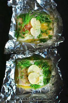 aaaledobre!: Dorsz pieczony z limonką i sosem miodowo-musztardo... My Favorite Food, Favorite Recipes, Good Food, Yummy Food, Food Design, Fish Recipes, Recipies, Food Inspiration, Food To Make