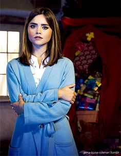 Jenna Coleman as Clara Oswald in Last Christmas Clara Oswald Clothes, Doctor Who Series 8, Doctor Who Outfits, Geek Fashion, Fashion Tv, Last Christmas, Don't Blink, Jenna Coleman, Torchwood