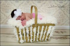 Newborn photos, newborn with sibling photos, family photos, Anne Geddes photos, baby in a basket, babyjp photos, julianporter newborns, newborn baby photos
