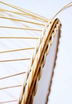 Korbflechten mit Peddigrohr leicht gemacht - Calistas Traum Hobbies And Crafts, Diy And Crafts, Garden Projects, Diy Projects, Rattan, Diy Gifts, Weaving, Deco, Housekeeping