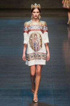 Dolce  Gabbana at Milan Fashion Week Fall 2013 - StyleBistro