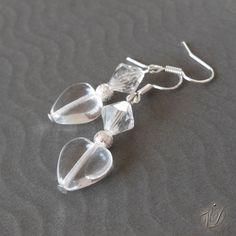 Heart earrings - Náušnice se srdíčkem   Veronika Designs - fler.cz Heart Earrings, Pearls, Bracelets, Silver, Jewelry, Design, Fashion, Moda, Heart Pendants