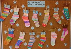 Ponožky - voskovky, vodové barvy. Winter Art Projects, Winter Crafts For Kids, School Art Projects, Art For Kids, Bead Crafts, Diy And Crafts, Arts And Crafts, Christmas Activities, Christmas Crafts
