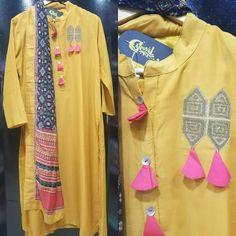 Salwar Kurta, Punjabi Salwar Suits, Designer Punjabi Suits, Designer Kurtis, Denim Ootd, Neck Lines, Ladies Shirts, Kurti Patterns, Kurti Neck Designs