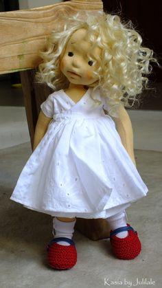 Kasia – waldorf inspired doll by Julilale - Modern Realistic Baby Dolls, Doll Shop, Doll Tutorial, Sewing Dolls, Waldorf Dolls, Knitted Dolls, Soft Dolls, Doll Clothes Patterns, Diy Doll