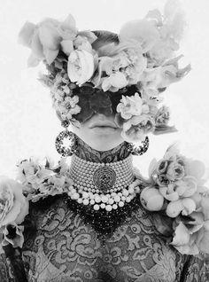 Vogue Gioiello, Bloomed.