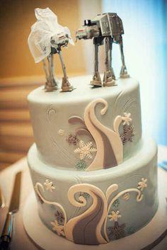 19 Spectacularly Nerdy Wedding Cakes