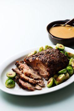 Keto Pork Roast with Creamy Gravy — Recipe — Diet Doctor - Slow Cooking Crock Pot Recipes, Roast Recipes, Slow Cooker Recipes, Low Carb Recipes, Roast Gravy, Pork Roast, Pork Loin, Cheeseburger Wraps, Cena Keto