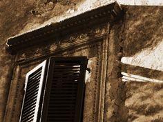Window. Tuscany