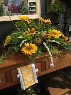 Artificial Floral Arrangements, Fall Flower Arrangements, Silk Arrangements, Unique Flowers, Fall Flowers, Autumn Decorating, Fall Decor, Table Centerpieces, Wedding Centerpieces