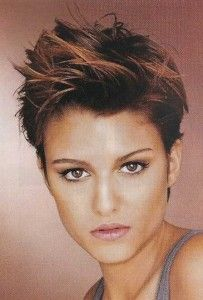 Partyfrisuren kurze Haare Brown Pixie Cut with Bright Tips! Pixie Hairstyles, Short Hairstyles For Women, Easy Hairstyles, Pixie Haircuts, Hairstyles 2018, French Hairstyles, Hairstyles Videos, Medium Hairstyles, Latest Hairstyles