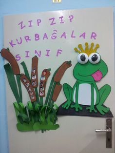 Sınıf kapı süsümüz, zıp zıp kurbağalar sınıfı mevcut panosu
