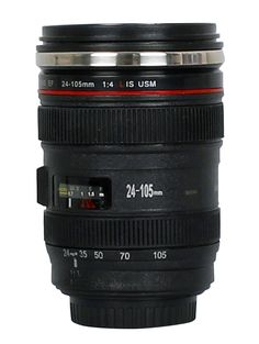 DEDICATED. Themos Cup black - Lens Cup - Thermobecher Camera Linse - Kaffee Tasse/ Trink Becher in Kamera Objektiv - Design Simulation wie Canon EF 24-105mm 1:4 LIS USM #lenscup #camera #gift #kamera #objektiv #canon #geschenk #lenscups #cup #lens #becher #thermobecher