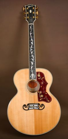 2006 Gibson SJ 200 Pearl Vine Custom Acoustic Guitar J Old style guitar Fender Acoustic Guitar, Custom Acoustic Guitars, Gibson Acoustic, Gibson Guitars, Fender Guitars, Custom Guitars, Lefty Guitars, Guitar Shop, Music Guitar