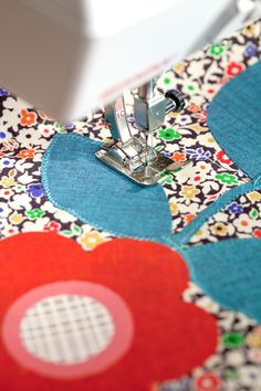 Anna Joyce @Anna Totten Totten Totten Joyce  shows us how to make an appliqué table runner, follow the #StepByStep sewing tutorial on the #LibertyCraftBlog #Stile #LibertyLifestyle