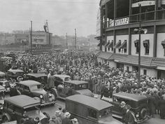 The crowd at Wrigley Field lines up for tickets for the World Series game between the Chicago Cubs and the Detroit Tigers in October 1945.