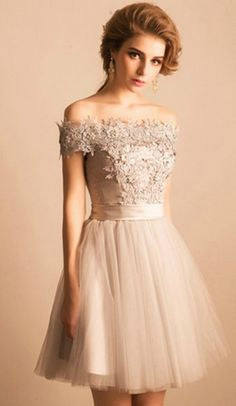 Grey A-line Off-the-shoulder Short Tulle Formal Dress Homecoming Dress Prom Dress With Appliques Lace