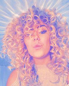 Curly hair blonde