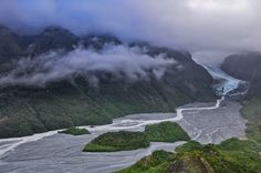Fox Gletscher trifft subtropischen Urwald, Westland-Nationalpark, Südinsel, Neuseeland