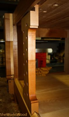 Here's the final picture and the gallery to go with it. All post can be found here: My Workbench Journey Woodworking Hand Tools, Wood Tools, Easy Woodworking Projects, Woodworking Tools, Wood Projects, Small Workbench, Workbench Plans, Woodworking Workbench, Diy Easel