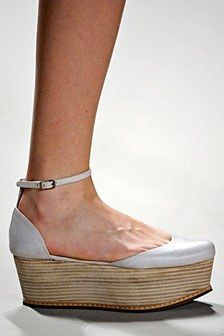 Spring 2011 Fashion Trend: Flatforms!