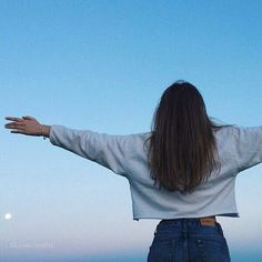 Océane embracing the world - Taken by Violeta