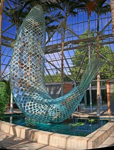 Standing Glass Fish by Frank Gehry in the  Minneapolis Sculpture Garden - Modern Design