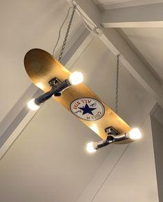 Custom made/painted skateboard light - Skateboard Furniture - Skater Girls Skateboard Lampe, Skateboard Light, Skateboard Room, Skateboard Furniture, Painted Skateboard, Home Design, Interior Design, Diy Design, Rack Design