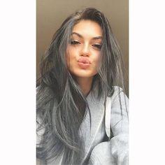 lol my hair looks grey Gina Lorena, Beauty Makeup, Hair Beauty, Dark Makeup, Hair Looks, Luxury Lifestyle, Kardashian, My Hair, Makeup Looks