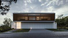 CASA PC   Condomínio Roland Garros em Florianópolis SC. #casa #arquitetura #casas #concreto #florianopolis #arquitetos #ideias #fachada #arquitectura #houses #architecture