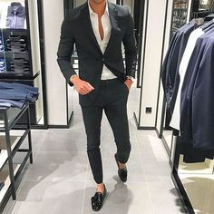 Apr 2020 - Dress for success with classic men's suits and suit pants. See more ideas about Mens suits, Dress for success and Suits. Latest Mens Fashion, Mens Fashion Suits, Mens Suits, Fashion Sale, Fashion Outlet, Paris Fashion, Fashion Fashion, Runway Fashion, Womens Fashion