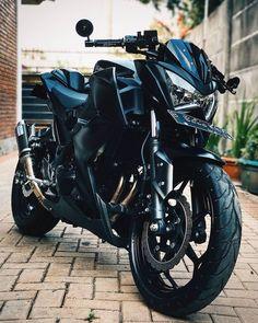 Dope Black !! 😎 • 📷 via @rmdhnfarras • #z250fans Kawasaki Motorcycles, Sport Bikes, Rest, Design Ideas, Journal, Mens Fashion, Vehicles, Black, Instagram