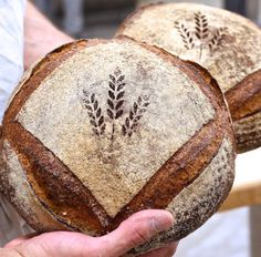 Artisan bread stenciling via @kingarthurflour