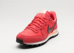 Nike Wmns Internationalist (Ember Glow / Night Maroon - Summit White)