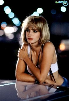 """Джулия Робертс сыграла в """"Красотке""""Вивьен Уорд, однако поначалу эту роль предлагали Молли Рингуолд. Она говорит, что сожалеет, что отклонила это предложение.  Да, это было огромной ошибкой."""