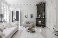 〚 Bold decor in artful white Swedish apartment 〛 ◾ Photos ◾Ideas◾ Design Home Decor Styles, Diy Home Decor, White Apartment, Old Apartments, Black Rooms, Blue Cabinets, Scandinavian Interior Design, Interior Styling, Living Room Decor