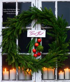simple wreath and candles.  natural and pretty.