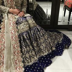 South Asian Bridal and Formal Look Book. Pakistani Bridal Couture, Pakistani Wedding Dresses, Pakistani Outfits, Indian Dresses, Indian Outfits, Dulhan Dress, Desi Clothes, Asian Clothes, Pakistan Fashion