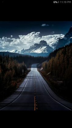 Learn How To sell your photos online easily And Make Profits. Beautiful Roads, Beautiful Landscapes, Beautiful Places, Landscape Photography, Nature Photography, Travel Photography, Track Pictures, Road Trip Destinations, Quelques Photos