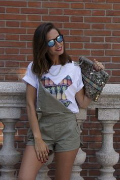 Marta Carriedo (It Girl) with PINEAPPLE tee