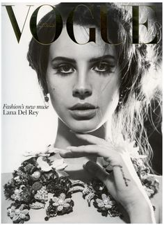 Vogue Australia Lana Del Rey - The Vogue Australia Lana Del Rey cover for October 2012 captures the singer's sensual style. Gracefully soft with a vintage feel, this spre. Vogue Magazine Covers, Vogue Covers, Vogue Vintage, Elizabeth Woolridge Grant, Magazin Covers, Fashion Cover, Dior, Vogue Australia, Poses