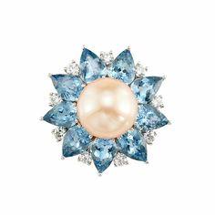 Platinum, Freshwater Peach Pearl, Aquamarine and Diamond Ring. One pearl ap. 11.5 mm., 9 pear-shaped aquamarines ap. 5.75 cts., 9 round diamonds ap. .55 ct., ap. 9.8 dwts.